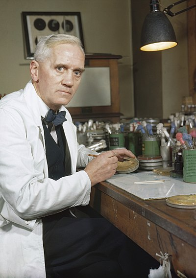 抗生物質を発見した細菌学者『アレクサンダー・フレミング』を紹介!