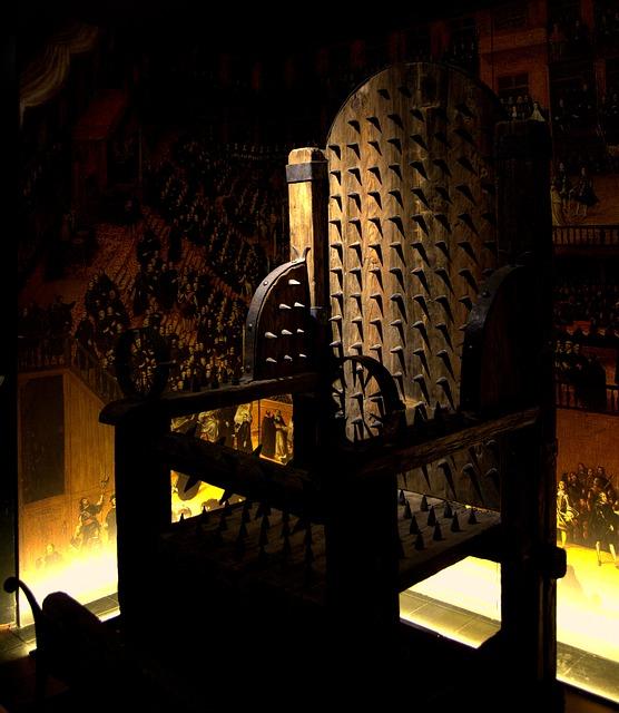 拷問用の椅子『審問椅子』は実は痛くなかった!?